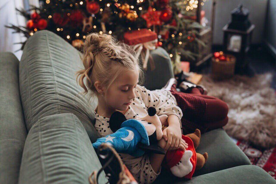 Подушки и пледы: лучшие идеи для украшения дома или подарка