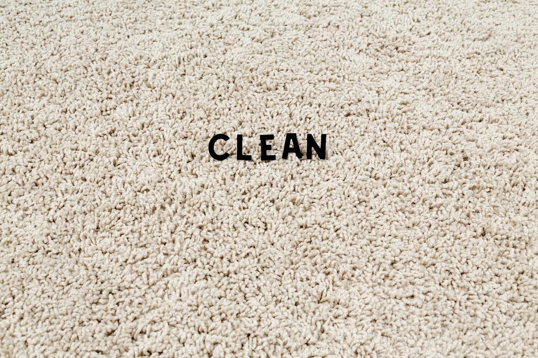 Лайфхаки: уборка ковра в домашних условиях
