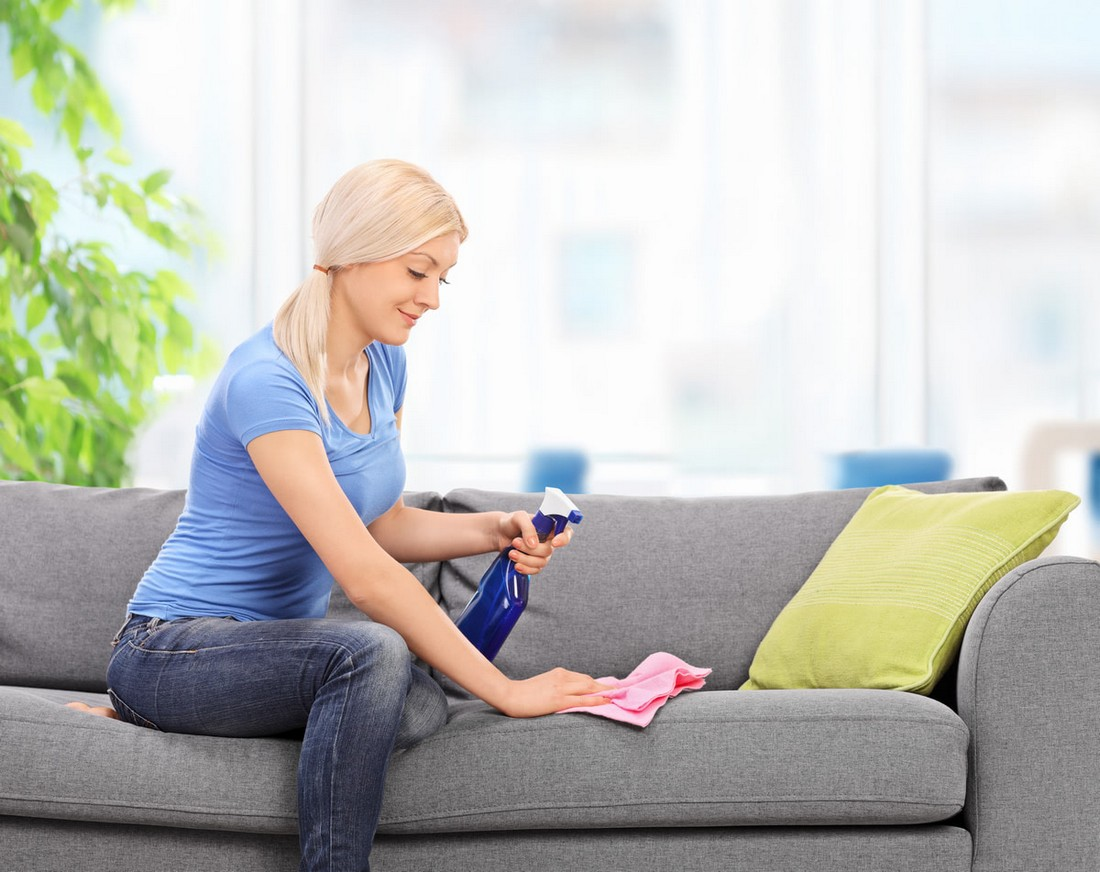 Как и чем почистить диван из флока