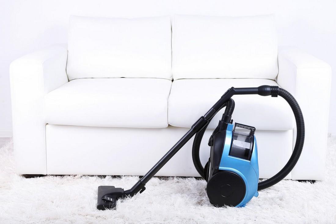 Как почистить светлый диван из ткани, кожи, кожзама