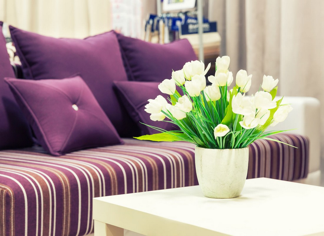 Как быстро почистить тканевый диван